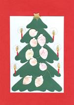 Karácsonyfa embossing díszekkel, quilling gyertyákkal